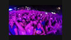 "DNCE ""Kissing Strangers"" (Live Isle Of MTV Malta 2017)"