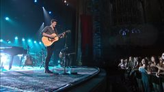 """MTV Unplugged: Shawn Mendes Performs """"Roses"""""""
