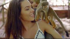 """Conheça Carolina Duarte, participante brasileira da nova temporada de """"ARE YOU THE ONE?"""""""