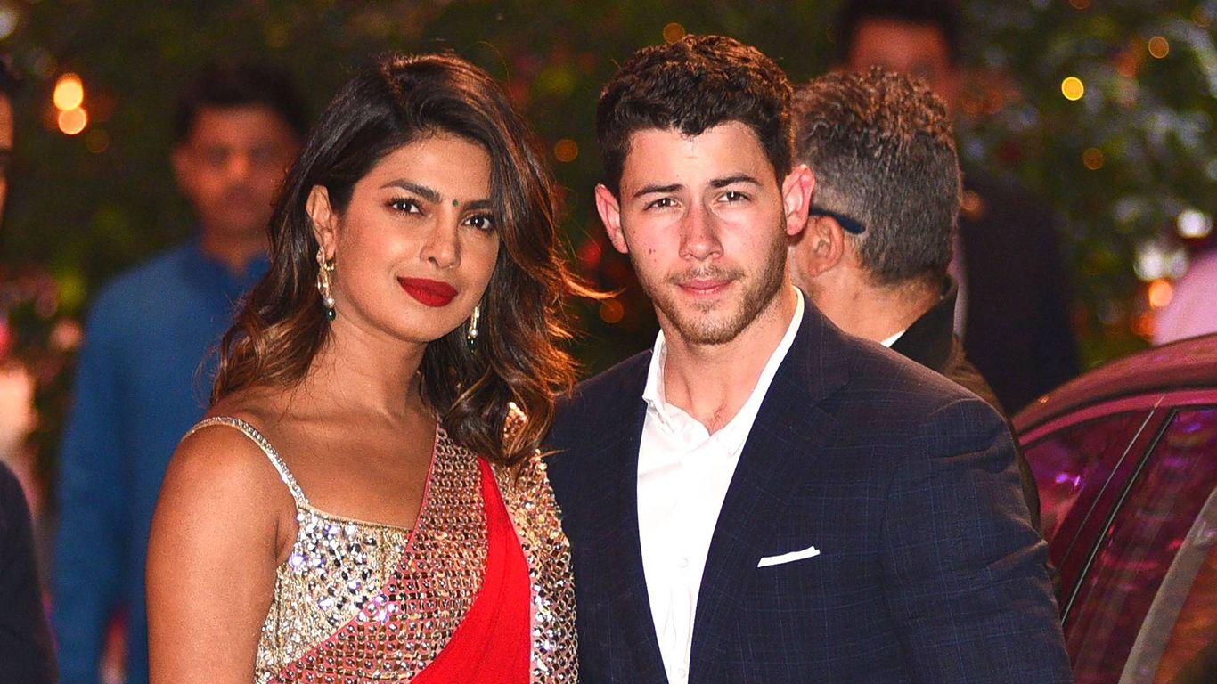 Priyanka Chopra Und Nick Jonas Haben Ihre Verlobung Im Indischen