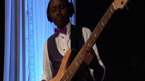 Ngombonga (Live at Carnival City, 2012)