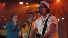 "MTV Unplugged: Bleachers Perform ""Hate That You Know Me"" feat. Lorde & Carly Rae Jepsen"