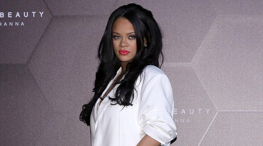 Rihanna Elle Va Sortir Un Livre Mtv France