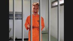 Scotty T passe une nuit en prison !