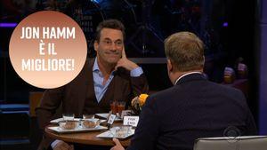 Jon Hamm in versione Fear Factor: mangia mille schifezze come se niente fosse