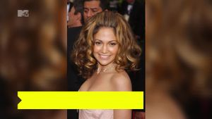 Jennifer Lopez compie 50 anni e dimostra che l'età è solo un numero