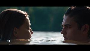 After il film – Tessa e Ardin e il romantico bagno nel lago