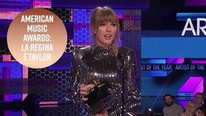 Taylor Swift regina degli American Music Awards