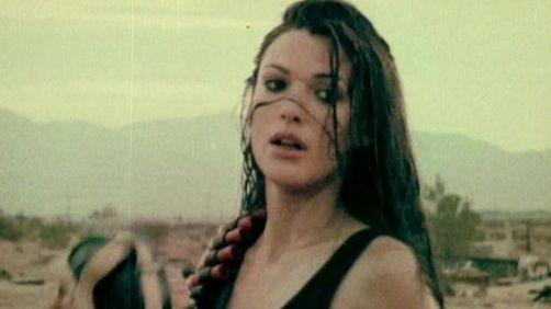 Monster In Your Parasol Van Queens Of The Stone Age Muziek Video