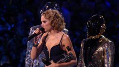 Taylor Swift Wins Best Female Video