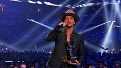 Bruno Mars Wins Best Male Video
