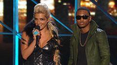 Ke$ha, Trey Songz Introduce Usher