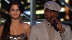 Selena Gomez, Ne-Yo Introduces Bruno Mars, B.o.B, Paramore