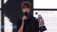 Justin Bieber Wins Best New Artist