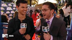Josh Horowitz Chats With Taylor Lautner
