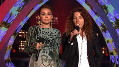 Miley Cyrus and Shaun White Present Best Rock Video