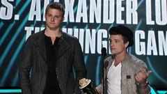 Jennifer Lawrence and Josh Hutcherson Win Best Fight