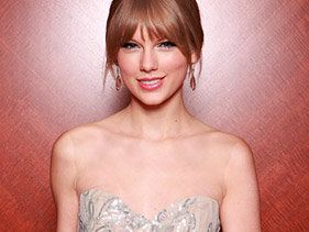 Taylor Swift S Road To Rap T Swizzle To B O B S Both Of Us Mtv Asia