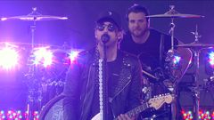 "All Time Low ""Weightless"" Live Performance"